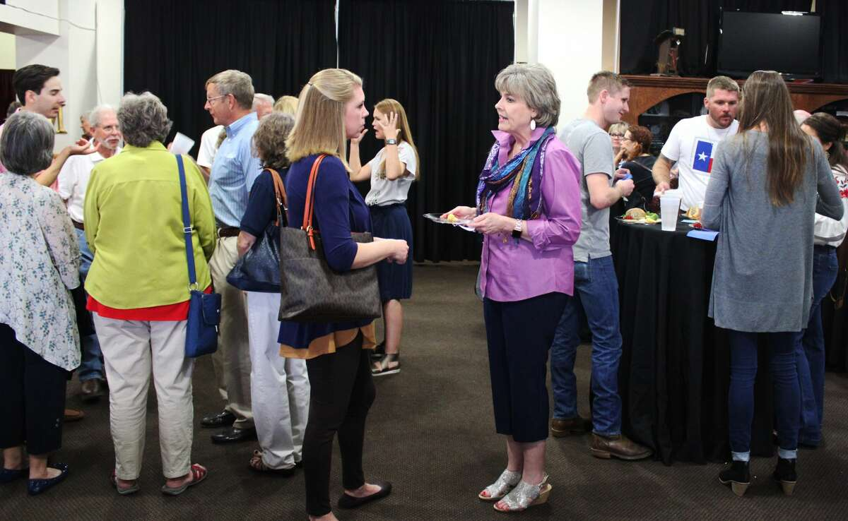 Stacy Allison, the first American woman to summit Mount Everest, spoke about her historic adventure on Sept. 12 at the Yucca Theatre.