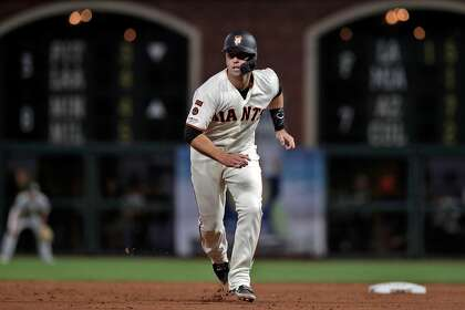 Why Giants' Buster Posey still gets benefit of doubt in frustrating year