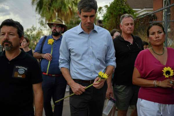 Democratic presidential candidate Beto O'Rourke is joined by hundreds of people marching to protest gun violence in El Paso, Texas, on Aug. 4, 2019. MUST CREDIT: Washington Post photo by Michael Robinson Chavez