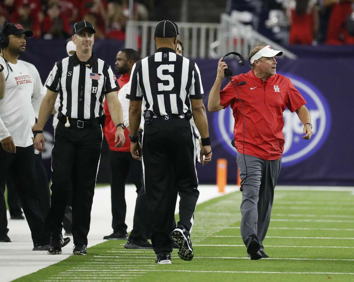 UH coach Dana Holgorsen didn't hold back when asked about the officiating during the Cougars' loss to Washington State.