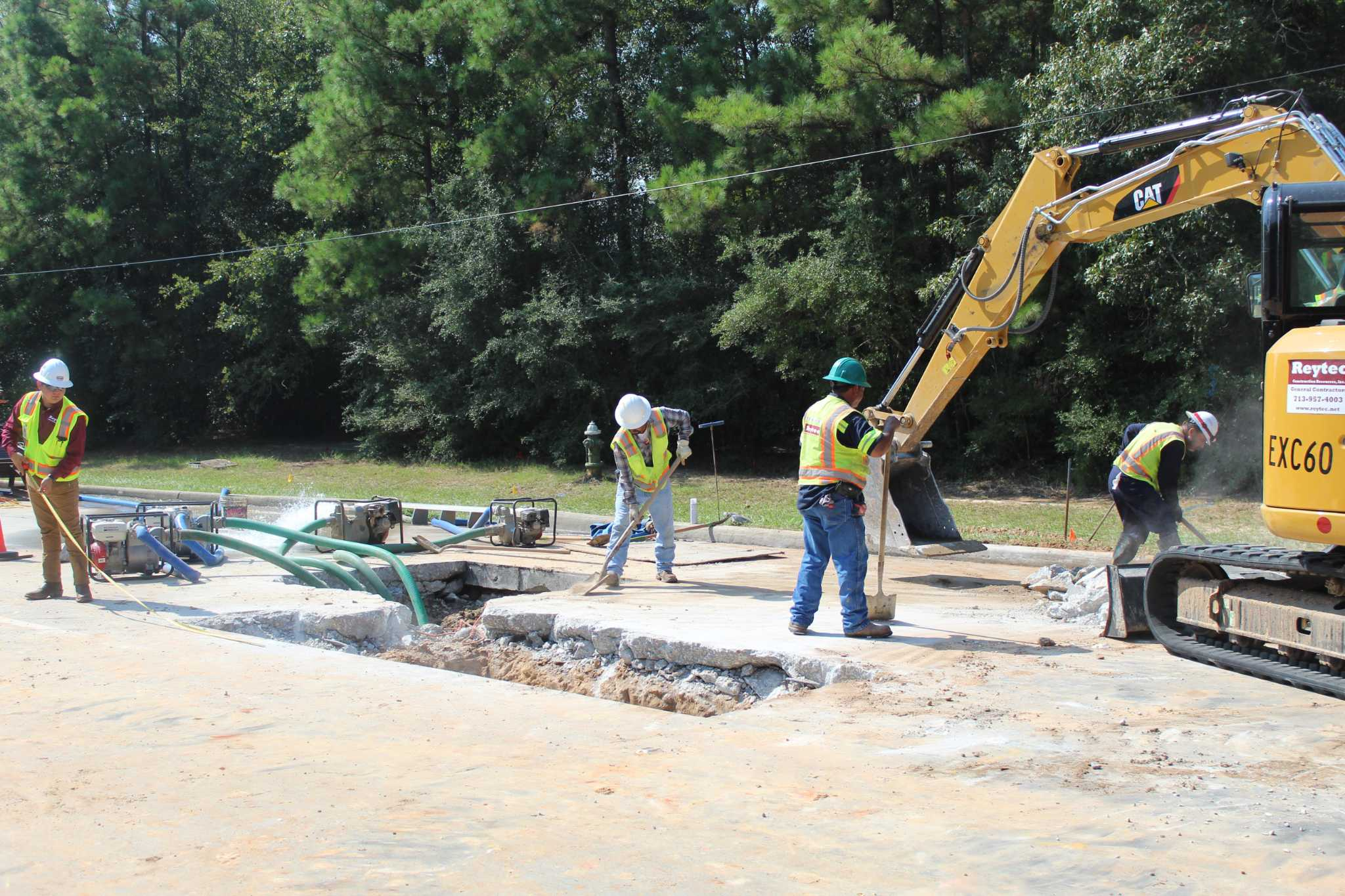 Portion of Research Forest Drive in The Woodlands closed after water line break - Chron