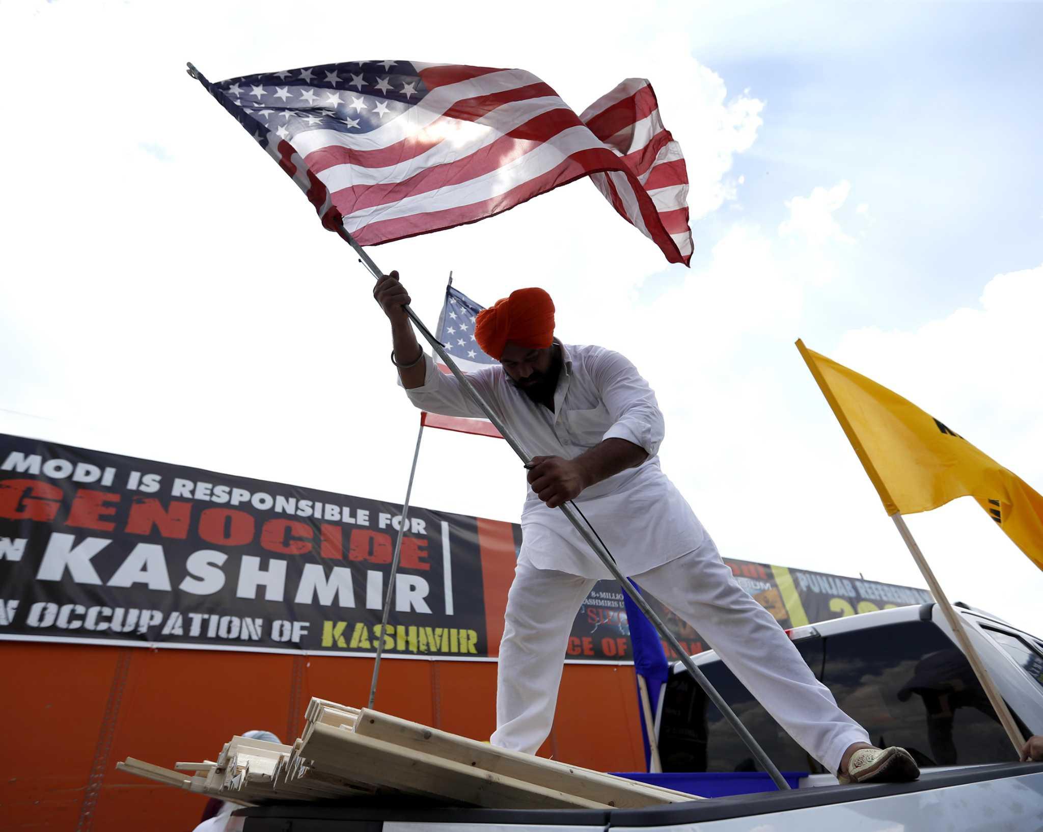 Narendra Modi visits draws protesters in Houston