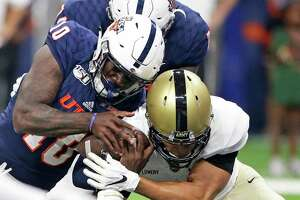 Lowell Narcisse rams the ball in for a touchdown in the second half for the Roadrunners as UTSA hosts Army at the Alamodome on Sept. 14, 2019.