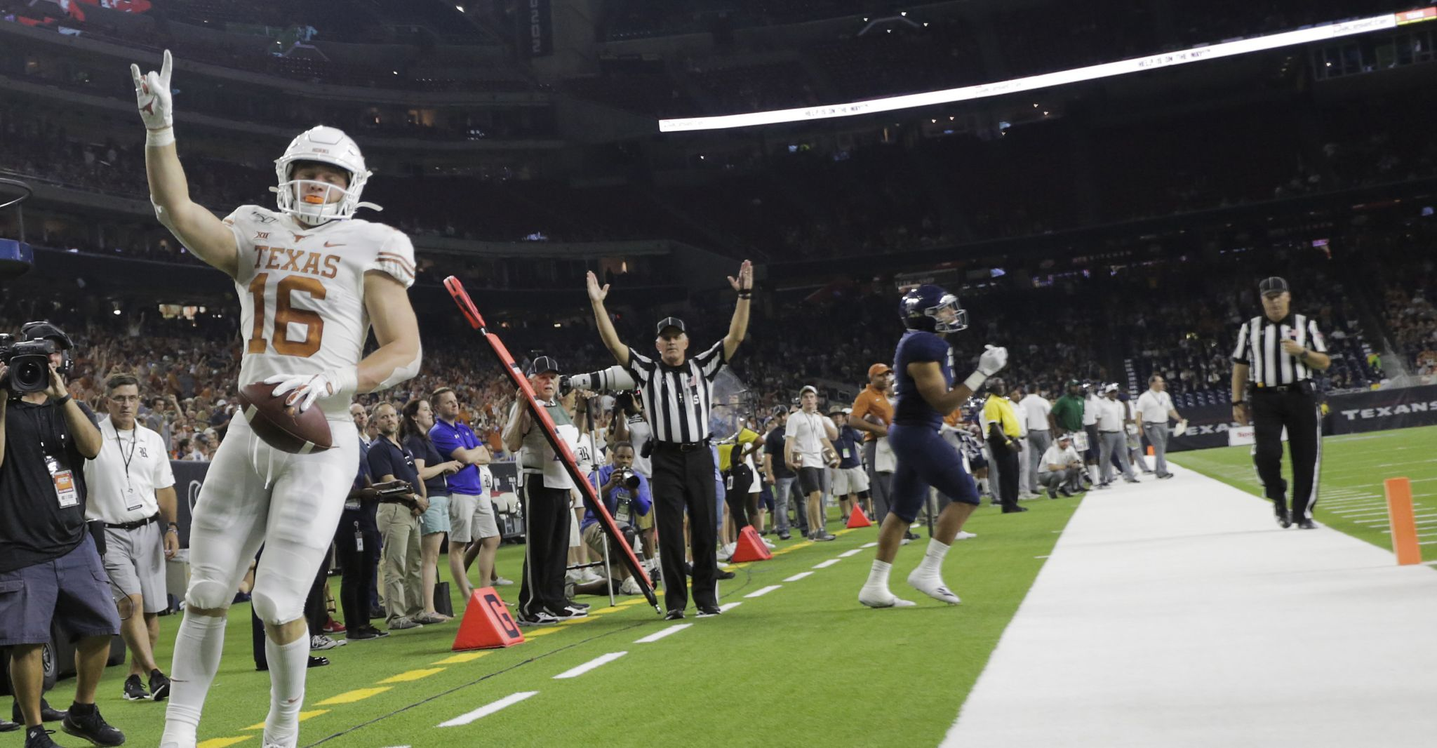 UT routs Rice, turns attention to Big 12