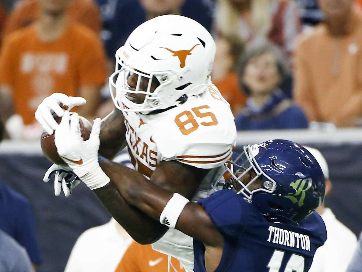 Dekaney graduate Malcolm Epps will be departing a crowded tight-end picture at Texas.