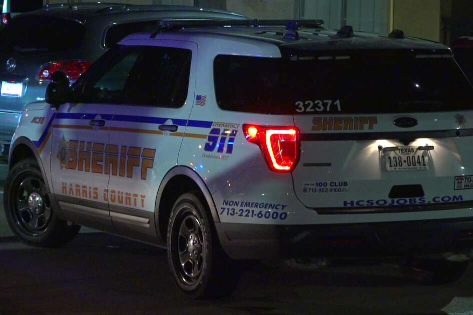 A bomb squad responded to a call at a northwest Harris County apartment complex early Sunday morning after reports that a man may have placed an explosive device in his ex-girlfriend's car.