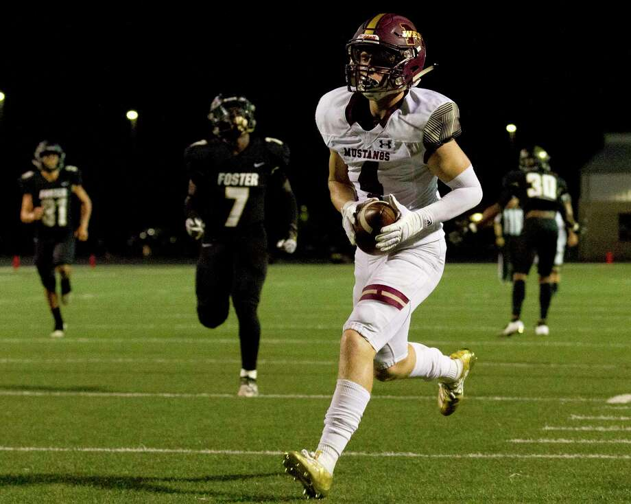 FILE PHOTO — Magnolia West wide receiver Payton Finch (4) had three catches for 171 yards and two touchdowns against Tomball on Friday night. Photo: Jason Fochtman, Houston Chronicle / Staff Photographer / Houston Chronicle