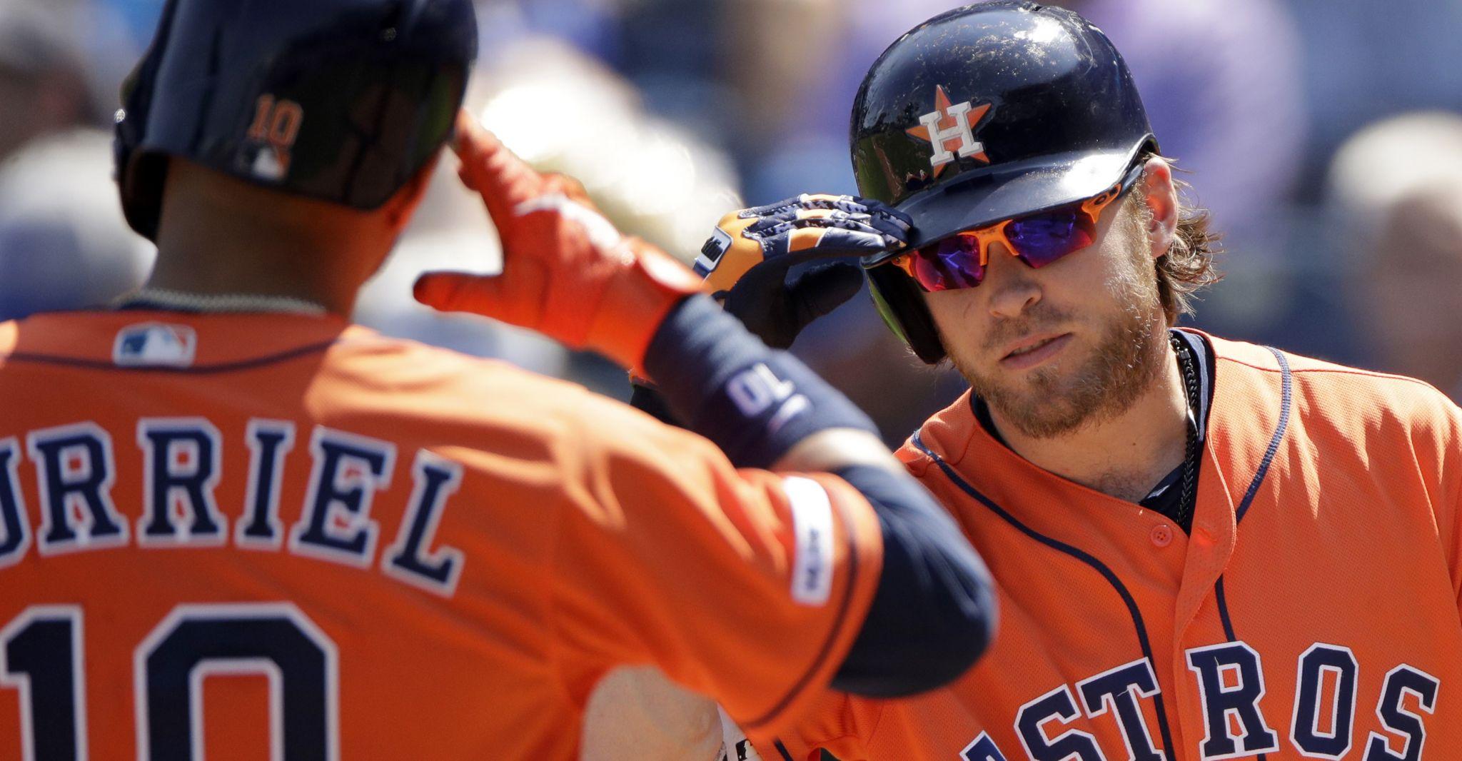 Astros blast Royals to cap sweep