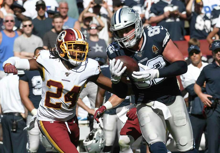 Dallas tight end Jason Witten catches the ball in front of Washington cornerback Josh Norman for a first down in the fourth quarter at FedEx Field in Landover, Maryland, on Sunday, Sept. 15, 2019. The Cowboys defeated the Redskins, 31-21. Photo: Washington Post Photo By Toni L. Sandys. / The Washington Post