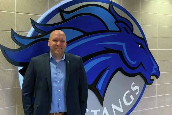 Houston Christian High School Athletic Director David Kinard brings to the position more than a decade of experience in college athletics, most recently as deputy director of athletics at Abilene Christian University.