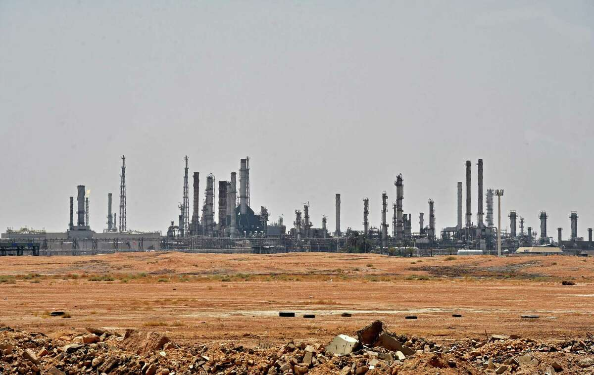 TOPSHOT - A picture taken on September 15, 2019 shows an Aramco oil facility near al-Khurj area, just south of the Saudi capital Riyadh. - Saudi Arabia raced today to restart operations at oil plants hit by drone attacks which slashed its production by half, as Iran dismissed US claims it was behind the assault. The Tehran-backed Huthi rebels in neighbouring Yemen, where a Saudi-led coalition is bogged down in a five-year war, have claimed thi weekend's strikes on two plants owned by state giant Aramco in eastern Saudi Arabia. (Photo by FAYEZ NURELDINE / AFP)FAYEZ NURELDINE/AFP/Getty Images
