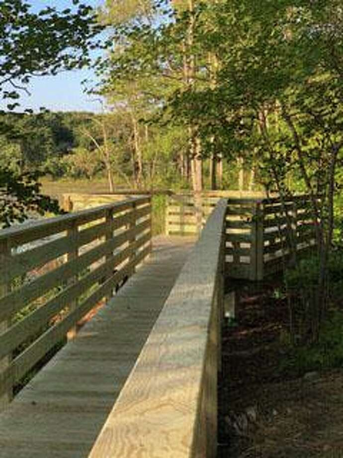 The trust's new wheelchair-accessible viewing platform at the trust's Eel Pond Preserve. Photo: Courtesy Of Warren Land Trust / The News-Times Contributed