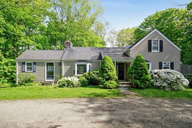 The charming cottage at 304 Wilton Road is very convenient to the Merritt Parkway and the new MoCA Westport.