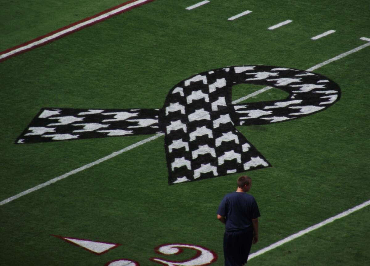 """Alabama: """"Houndstooth"""" In Alabama, the """"houndstooth,""""refers specifically to the black-and-white checkered pattern associated with University of Alabama football-aka the Crimson Tide. The pattern's associationwith the university's football teamcan be traced back to Coach Bear Bryant who led the team from 1958 to 1982 and was known to wear a hat that showcased the pattern. Today, it can be seen on hats, T-shirts, scarves, sashes, and all manner of fan gear at football games. This slideshow was first published on theStacker.com"""