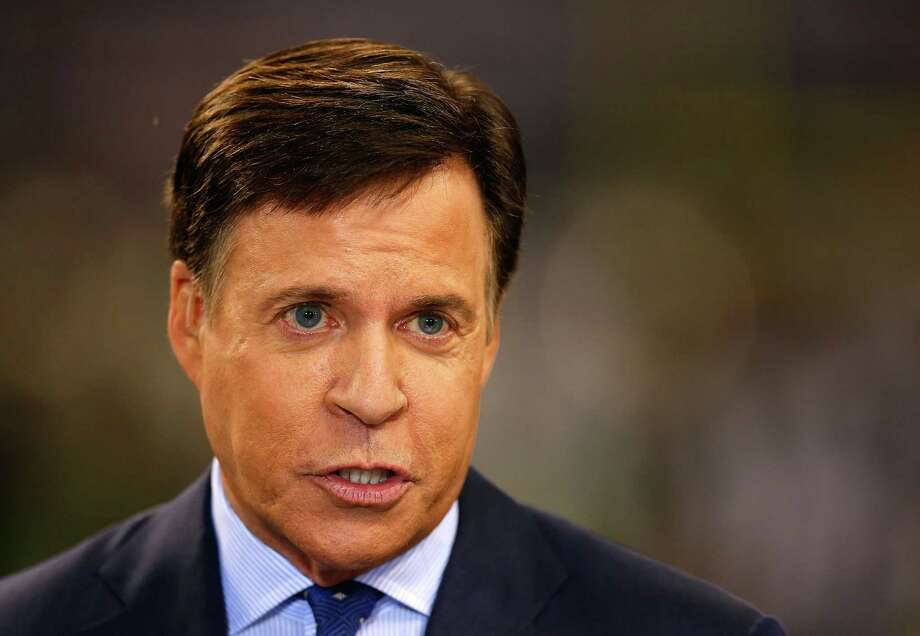 ARLINGTON, TX - SEPTEMBER 28:  NBC Sports personality Bob Costas does the pregame broadcast from the sidline in the game between the Dallas Cowboys and the New Orleans Saints at AT&T Stadium on September 28, 2014 in Arlington, Texas.  (Photo by Tom Pennington/Getty Images) ORG XMIT: 504248669 Photo: Tom Pennington / 2014 Getty Images
