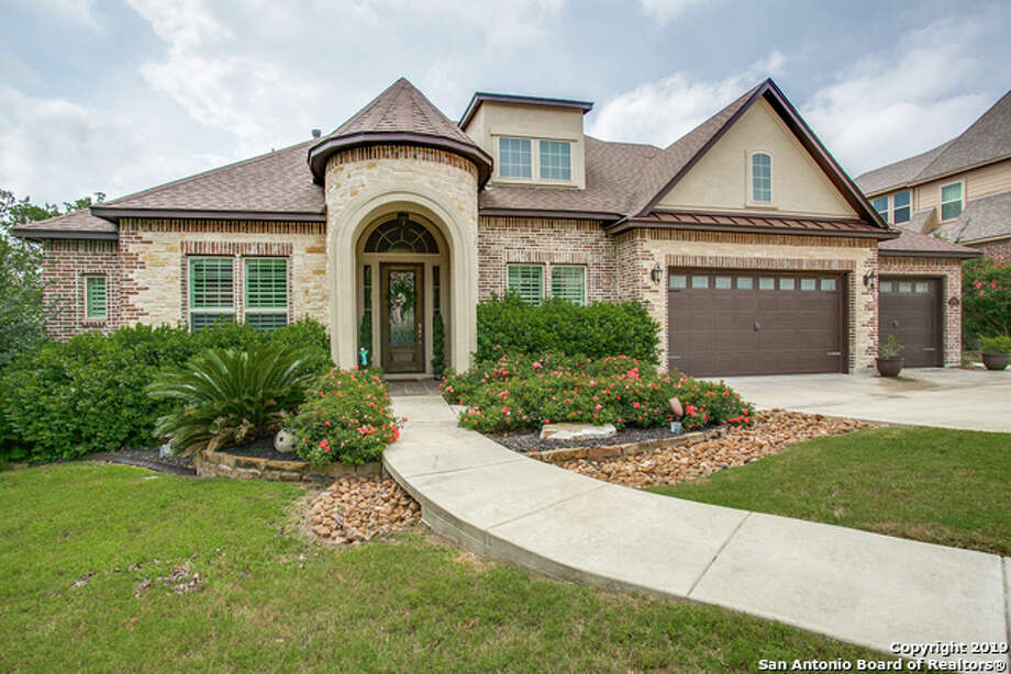 8906 Gate Forest
