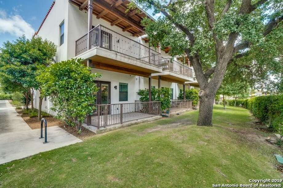 1542 N Alamo St #105 San Antonio, TX 78215  Listing Price: $459,000 Bedroom: 2 Bathroom:2 Full Bath 1.5 Bath Townhouse/Condo Building Sqft.:1,404 /Appraisal District  For the full listing,click here  Photo: SABOR