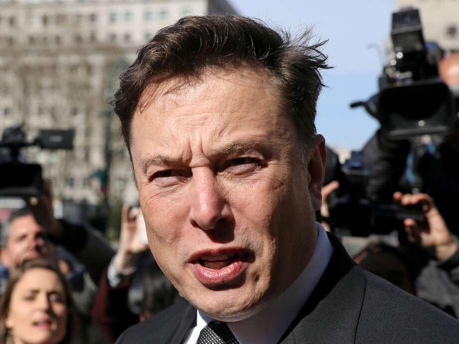Elon Musk is fighting a defamation case, Photo: REUTERS/Brendan McDermid/File Photo