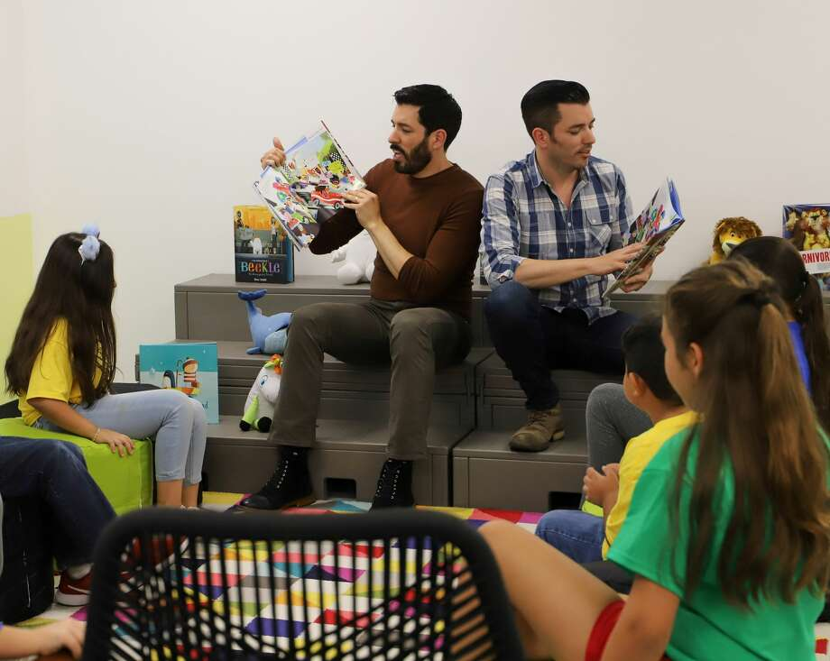 "HGTV's ""Property Brothers,"" Drew and Jonathan Scott, picked Burnett Elementary in Pasadena ISD out of schools across the country for a library makeover. Photo: Pasadena ISD"