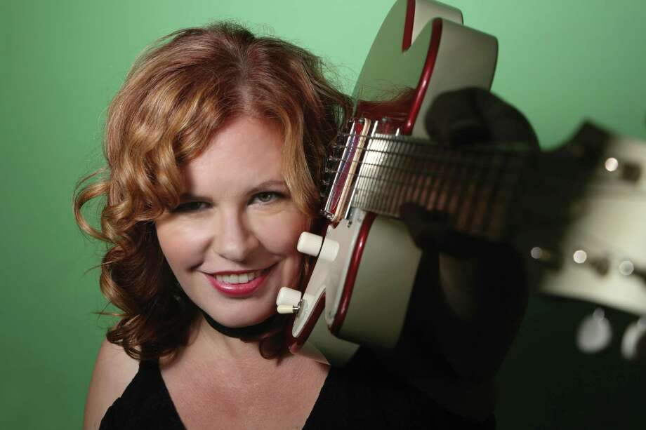 Suzie Vinnick will perform with Steve Kirkman on Sept. 21 at 7:30 p.m. at the New Fairfield Senior Center, 33 Route 37, New Fairfield. Tickets are $10. For more information, visit groovininnewfairfield.com. Photo: Groovin In New Fairfield / Contributed Photo