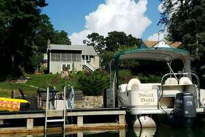 Sweet Dotti's Cottage on Candlewood Lake in New Fairfield.  View full listing on Airbnb .