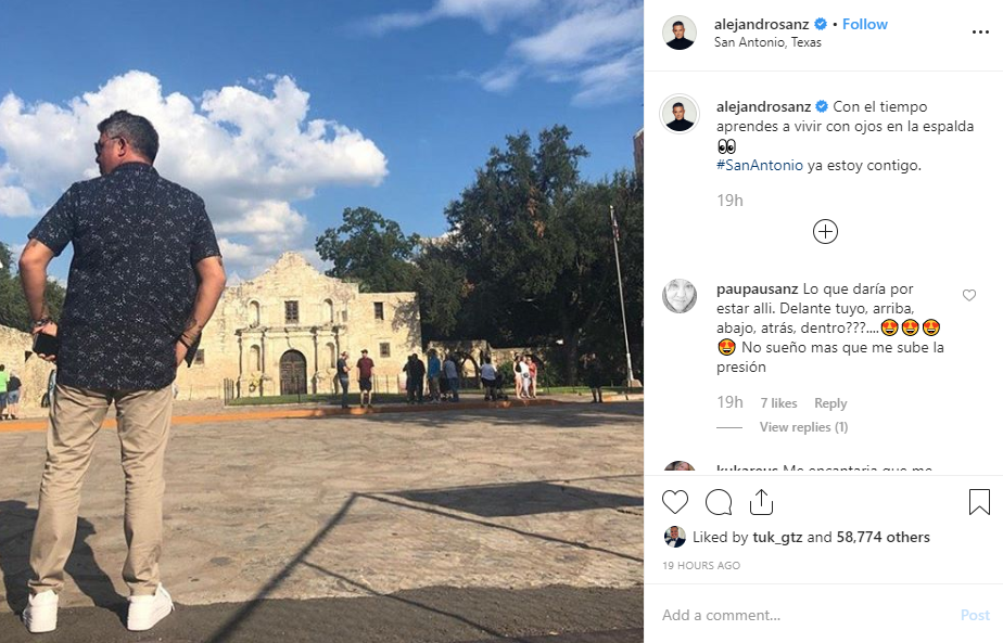 Grammy Award-winner Alejandro Sanz stops by the Alamo before San Antonio concert
