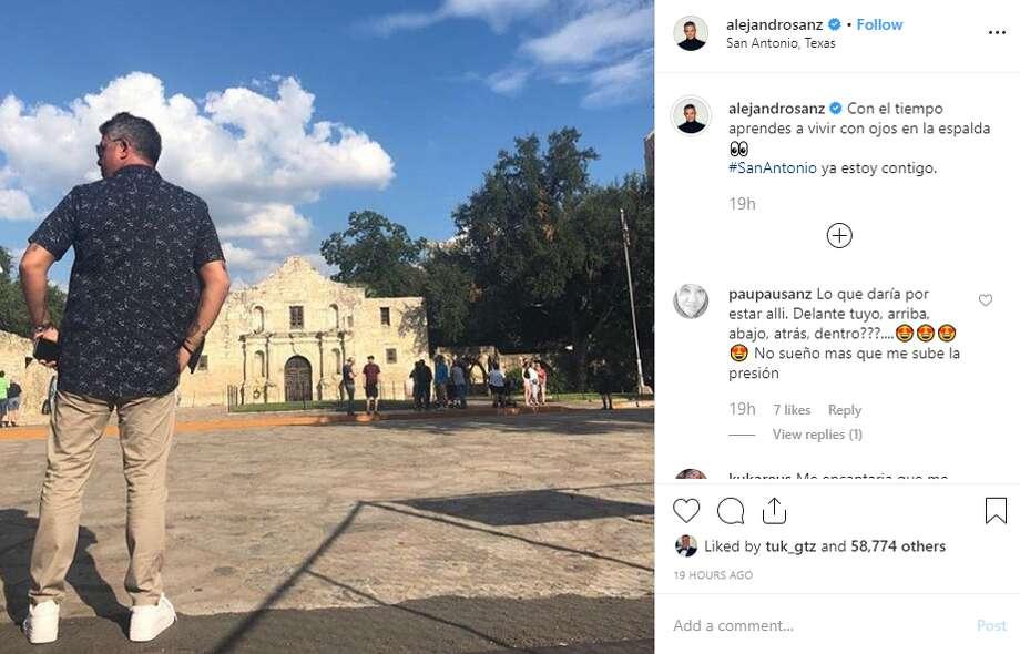 """""""Con el tiempo aprendes a vivir con ojos en la espalda  #SanAntonio ya estoy contigo,"""" singer Alejandro Sanz captioned a photo on his Instagram account, @alejandrosanz, on Monday. Photo: Instagram Screengrab"""