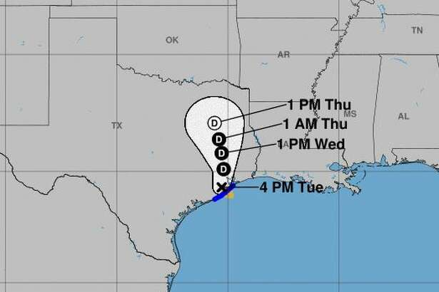 Tropical Storm Imelda moving north after making landfall southwest of Galveston.