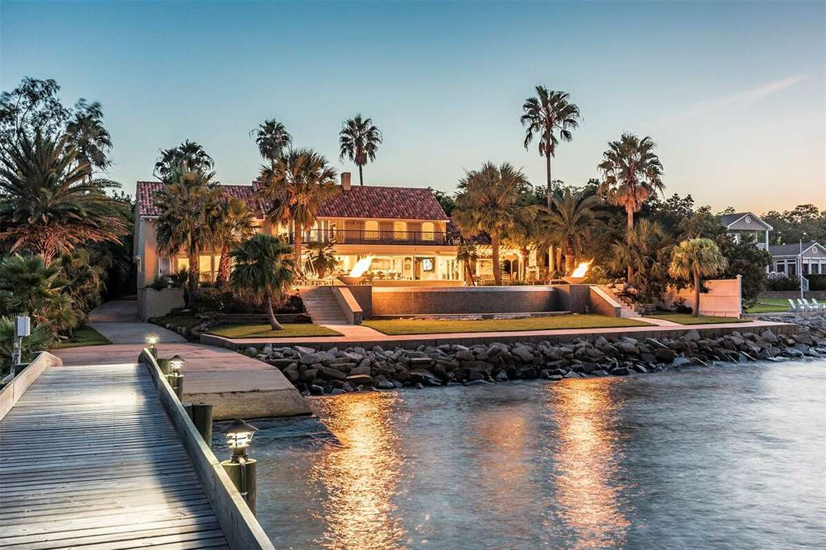 1303 Kipp AvenueListing price: $2.595 million5 bedrooms, 5 full and 2 half bathroomsSee the full listing from Phyllis Foster