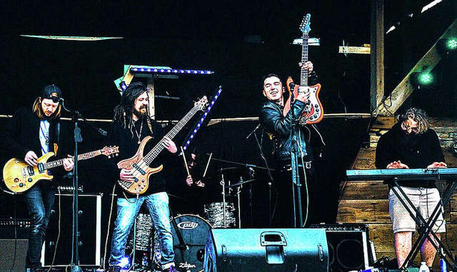 Haze Bond performs at Mansion MusicFest 2019 in Springfield. Photo: Emily Kuether/Rachel Verduin Photos