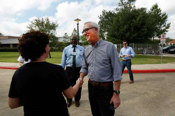 Chris Bell campaigns to be the next mayor of Houston at Mark Twain Elementary School Tuesday, Nov. 3, 2015, in Houston. ( Steve Gonzales / Houston Chronicle )