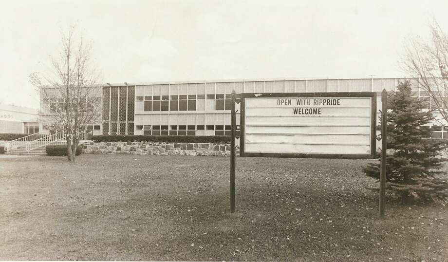 10/17/82 Rippowam High School. 5.1 Photo: ST