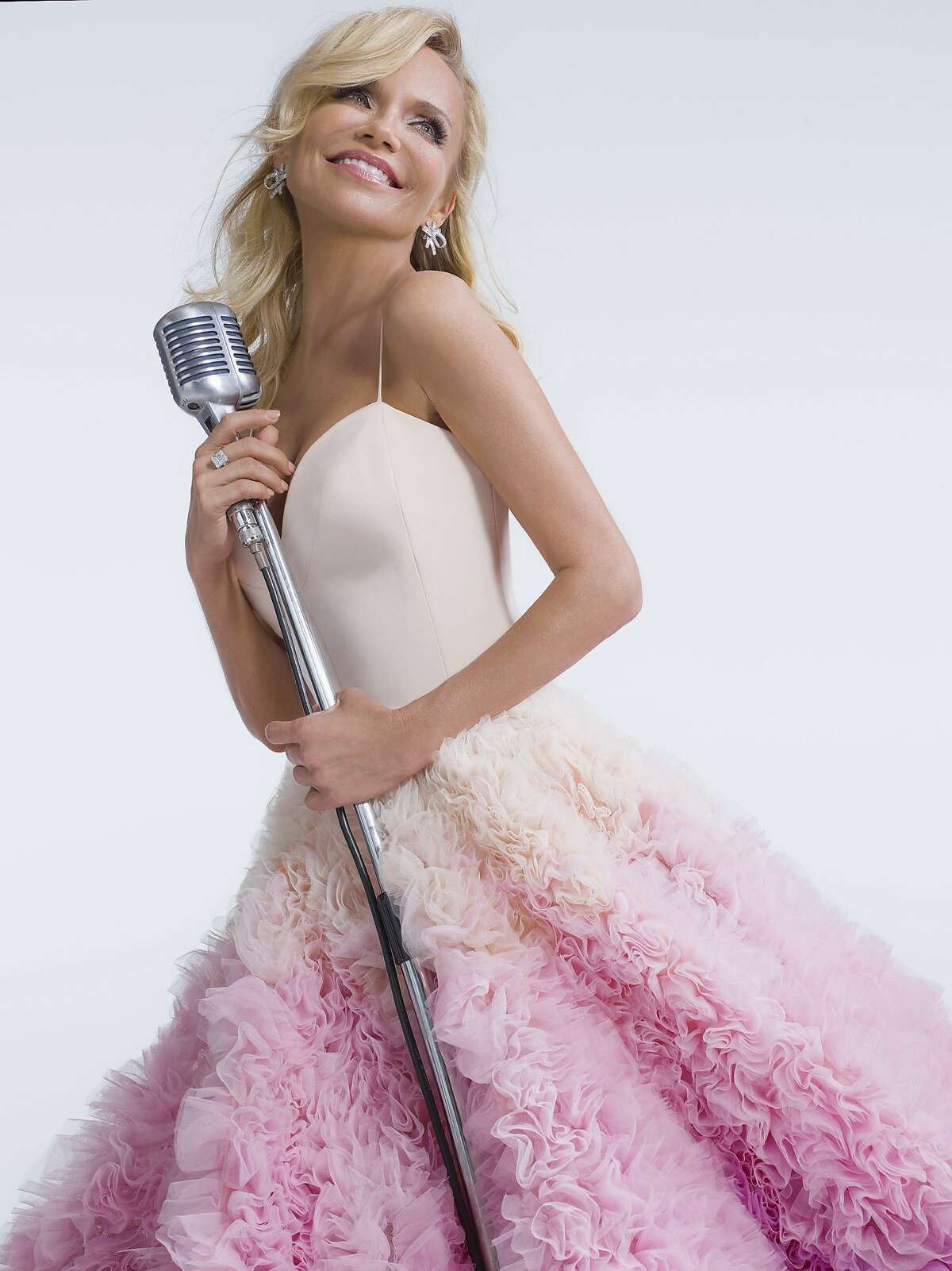 Kristin Chenoweth will be performing songs from her new album at the annual Ridgefield Playhouse Fall Gala on Saturday. Find out more.
