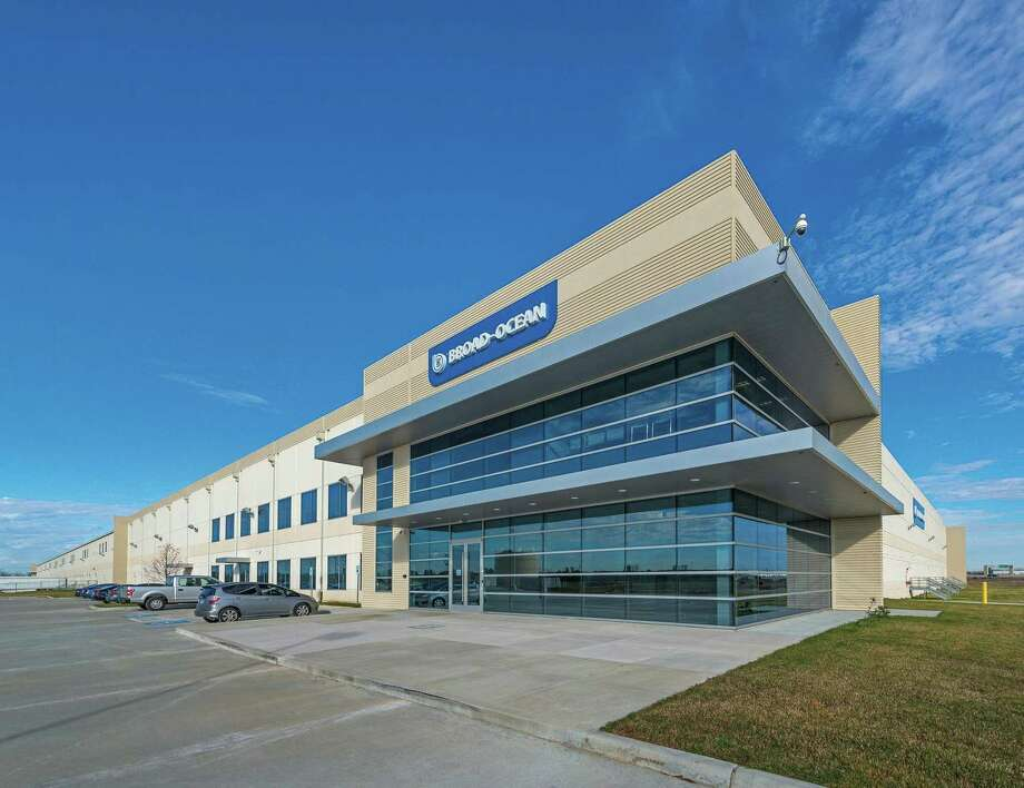 Sealy Industrial Partners has acquired a recently constructed Class A industrial building at 18140 Kickapoo Road off U.S. 290. The building totals 479,806 square feet. Photo: Sealy Industrial Partners