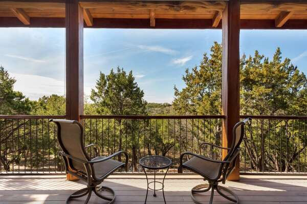 Lake Travis Lodge Where: Lago Vista Average price per night: $300 Sleeps: 9 Price per person: $33