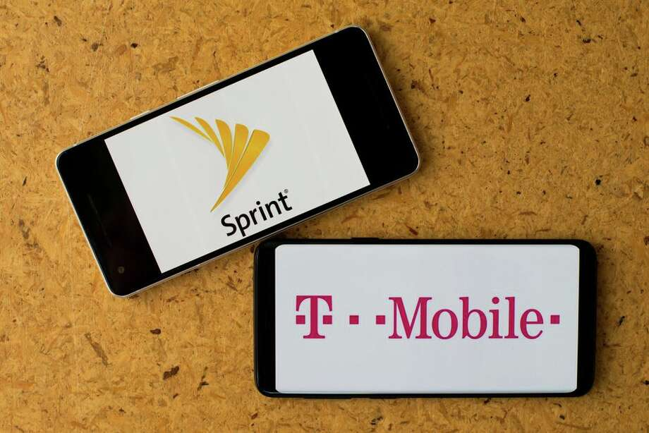 T-Mobile's merger with Sprint seems set for approval. Photo: Angela Lang/CNET