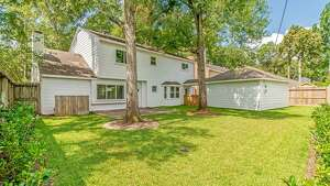 Memorial West : 14918 Carolcrest Drive      Price : $499,995      Square footage : 3,070