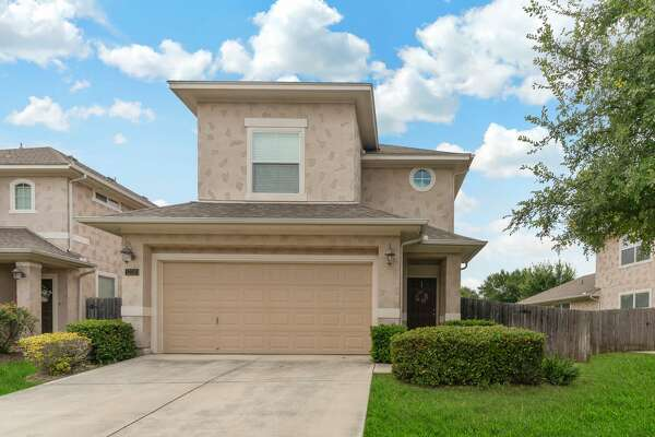 12310 Abbey Garden, San Antonio, TX 78249 Open House Dates: Saturday, September 21st from 12:00pm - 2:00pm Sunday, September 22nd from 12:00pm - 2:00pm Charming, spacious 4 bdr garden home in quiet, gated Bella Sera neighborhood! Open floor plan, high ceilings, large kitchen, wood burning fireplace, large master suite. HOA maintains front & back lawn!! Close to UTSA, Med Center, La Cantera, Rim. Price reduced $240,000. Contact: Marietta Villareal - (210) 452-2651 Keller Williams Heritage