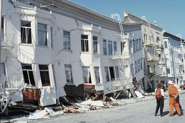 SAN FRANCISCO - OCTOBER 17: General view of the Marina district disaster zone after an earthquake, measuring 7.1 on the richter scale, rocks game three of the World Series between the Oakland A's and San Francisco Giants at Candlestick Park on October 17, 1989 in San Francisco, California. Despite some discussion to cancel, baseball Commissioner Fay Vincent agrees to allow the series to continue. Play resumed October 25, and the A's go on to sweep the Giants in four games. (Photo by Otto Greule Jr /Getty Images)