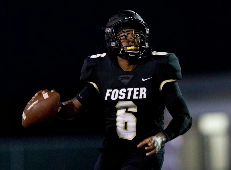 Foster quarterback Ryan Stubblefield (6) looks to pass during the third quarter of a non-district high school football game at Guy K. Traylor Stadium, Saturday, Sept. 14, 2019, in Rosenberg. Photo: Jason Fochtman, Houston Chronicle / Staff Photographer / Houston Chronicle