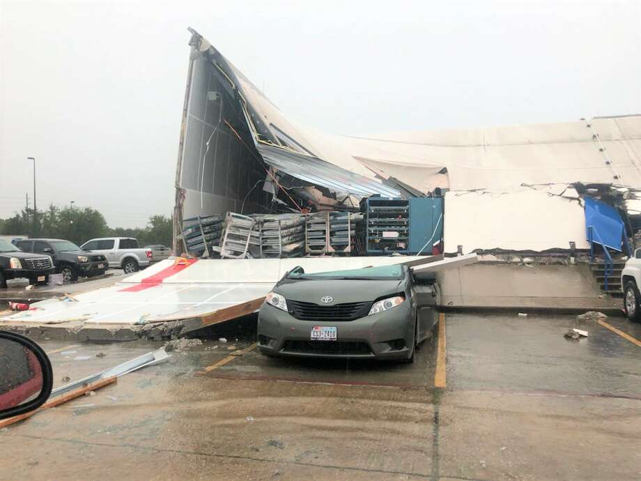 Houston Firefighters were responding to a post office building collapse in North Harris County Thursday afternoon where three people were reportedly injured. Photo: Houston Fire Dept. Twitter