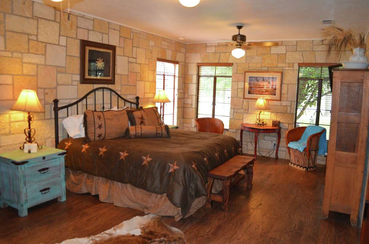 Book your stay at the Diamond H Bed and Breakfast, dubbed the Gem of Bandera County, and enjoy the peaceful serenity of the Texas Hill Country. http://diamondhbandb.com