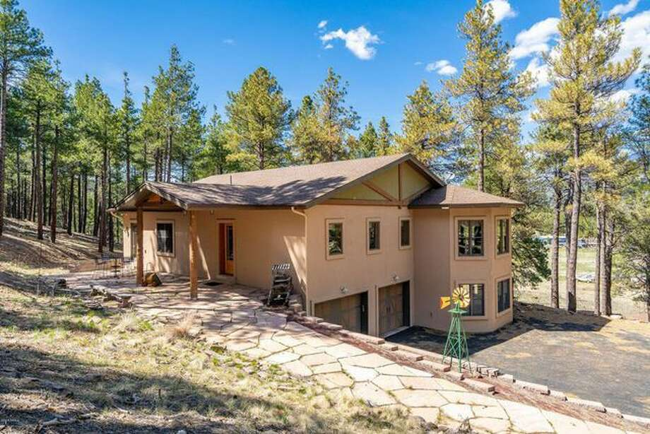 """Sister Wives"" Kody Brown has purchased a home in Flagstaff, Ariz,, with Robyn Brown, reports say. Photo: Realtor.com"