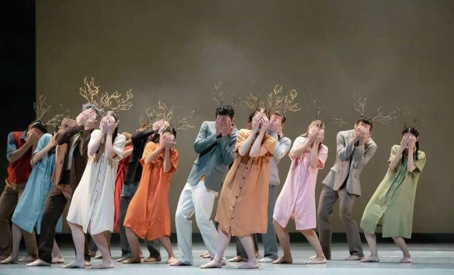 """Artists of Houston Ballet in Disha Zhang's """"Elapse."""" Photo: Amitava Sarkar / Houston Ballet / 2017"""