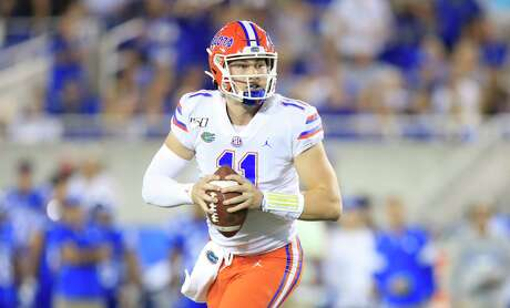 LEXINGTON, KENTUCKY - SEPTEMBER 14: Kyle Trask #11 of the Florida Gators runs with the ball during the 29- 21 win against the Kentucky Wildcats at Commonwealth Stadium on September 14, 2019 in Lexington, Kentucky. (Photo by Andy Lyons/Getty Images)