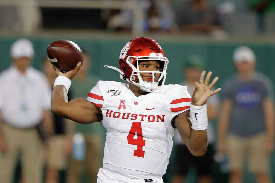 Houston quarterback D'Eriq King (4) now has a passing and rushing touchdown in an FBS-record 15 consecutive games. Photo: Gerald Herbert, Associated Press / Copyright 2019 The Associated Press. All rights reserved.