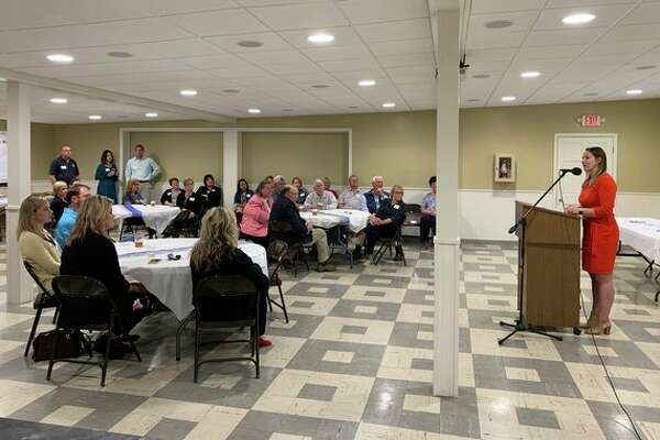 Executive Director Mackenzie Price Sundblad provides strategic priorities update at Huron County Community Foundation Power of Placemaking event. (Submitted Photo)