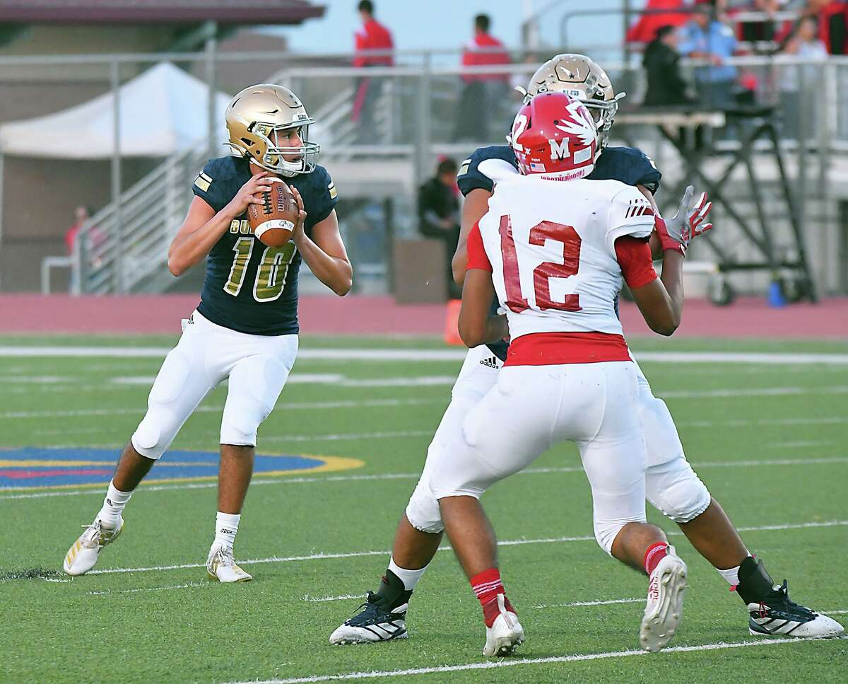 Alexander quarterback Jay Santos likes to utilize checkdown passes when possible.