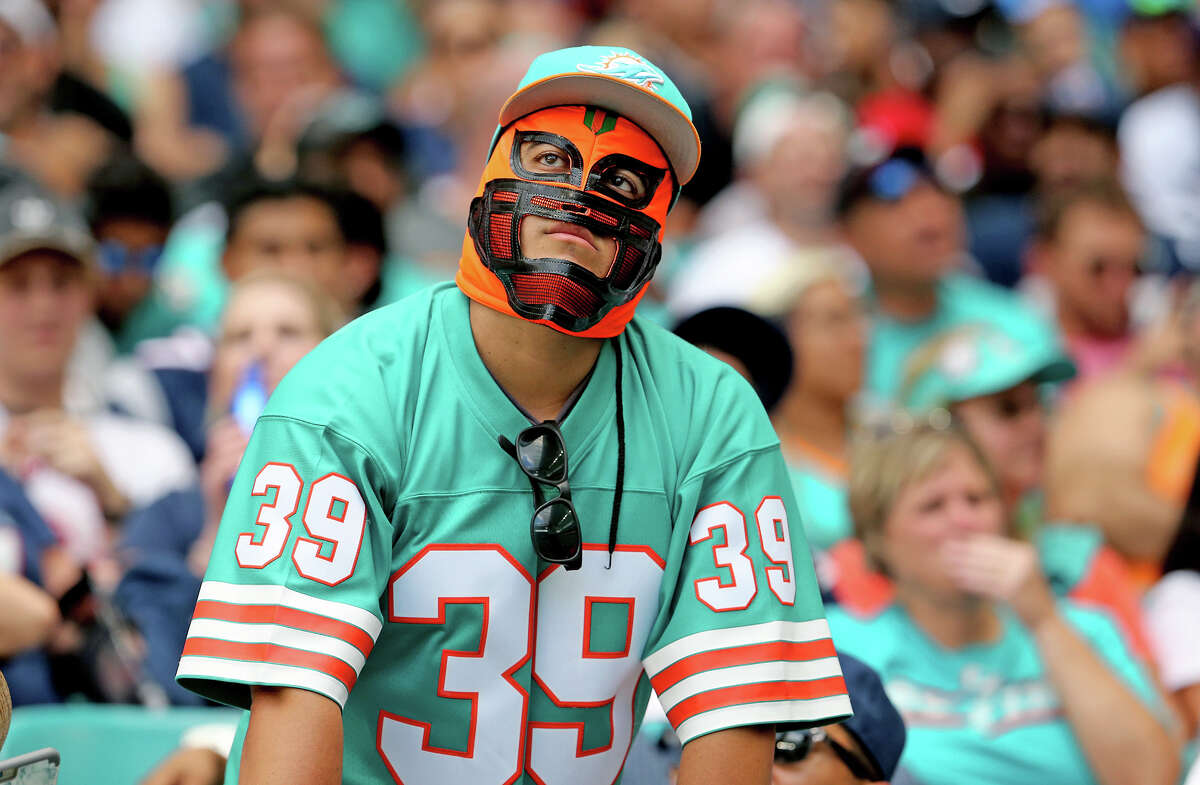 When it comes to winning games, there's little hope in Miami. But the Dolphins may be a tempting underdog play against the spread this weekend.