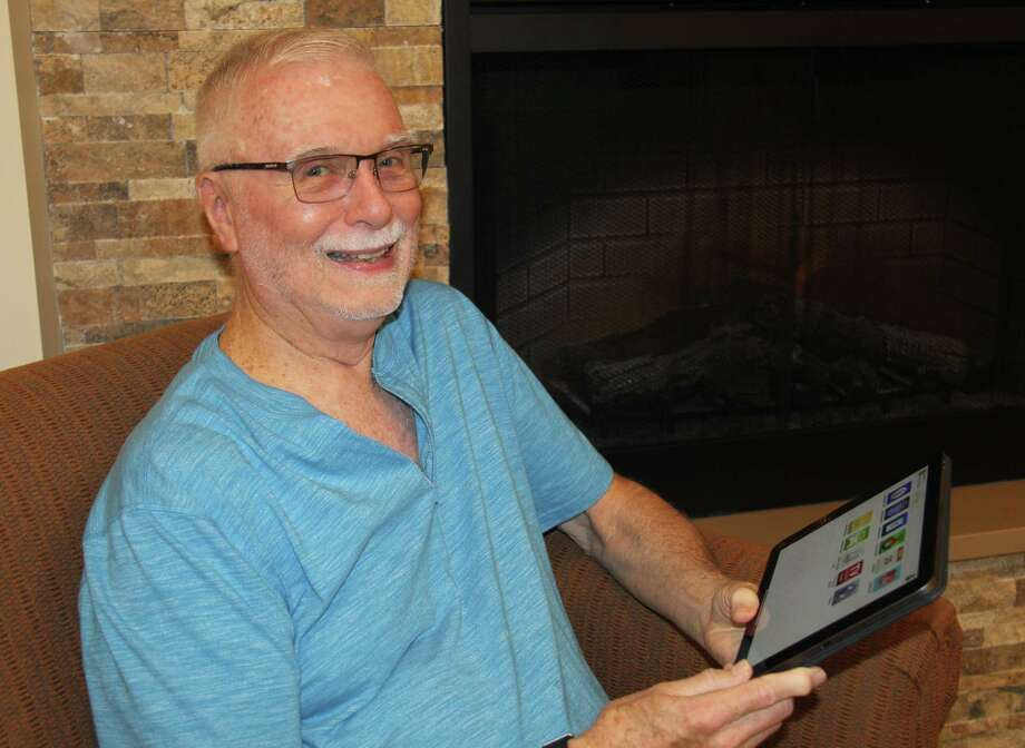 Tom Matchett uses web-based solutions to support his active lifestyle at Eagle's Trace, including the MyErickson app.